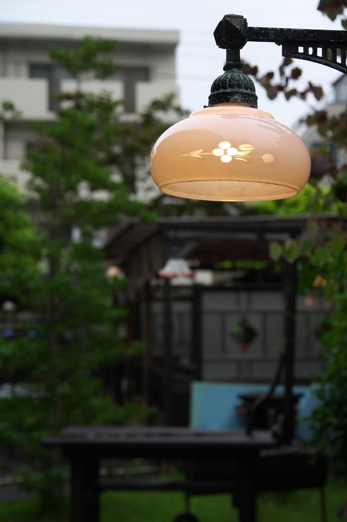 田舎_庭のランプ
