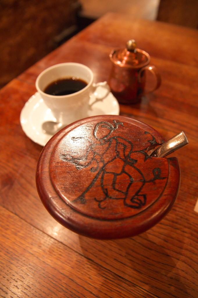 コーヒーの砂糖のフタ