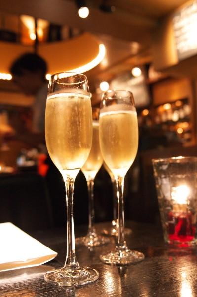 Funkey_シャンパンで乾杯