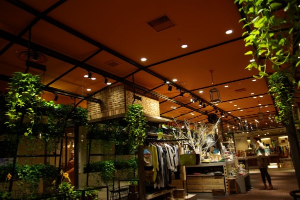 青山フラワーマーケット_店内2