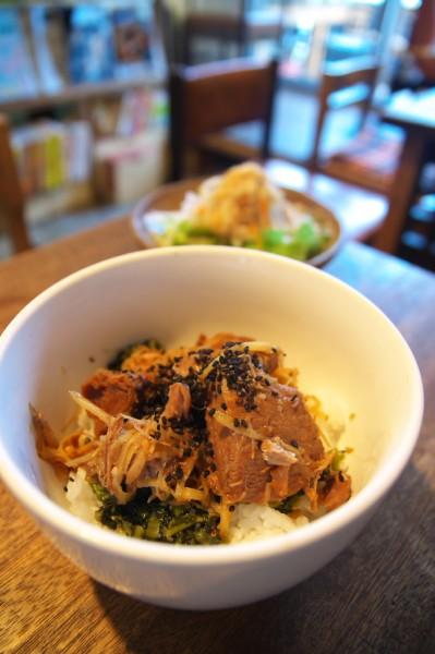 クワランカ_豚の角煮ご飯2