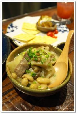 笑鴨_豚肉と豆の白煮込み