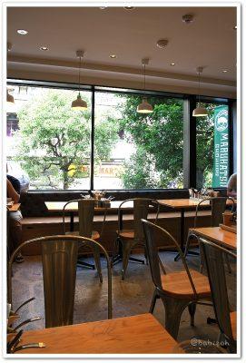 まるかつ食堂_店内